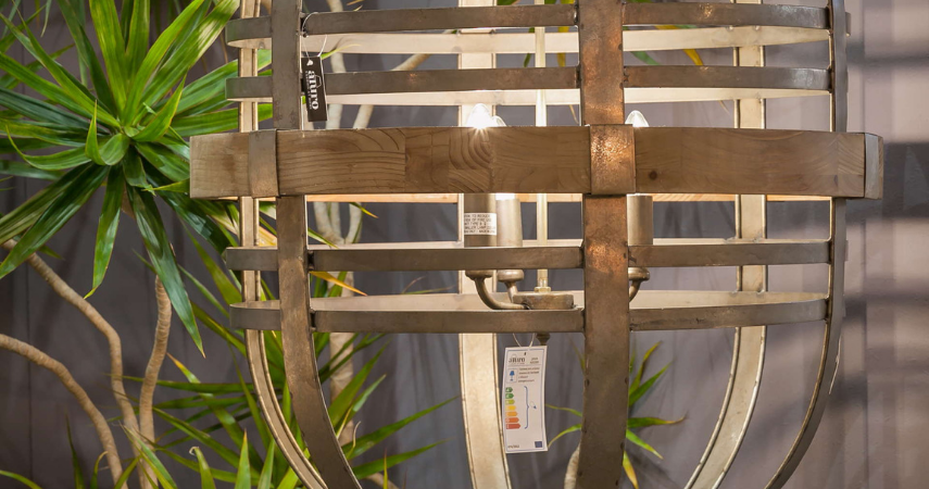 lampa metalowa z elementami drewna java aluro